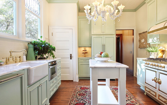 Easy kitchen renovations that help sell your home for Kitchen design lexington ky