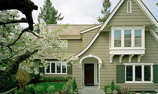 Paint colors that help sell your home for Exterior house colors that sell