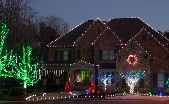 Tips to Hanging Holiday Lights for Your Lexington, KY Home